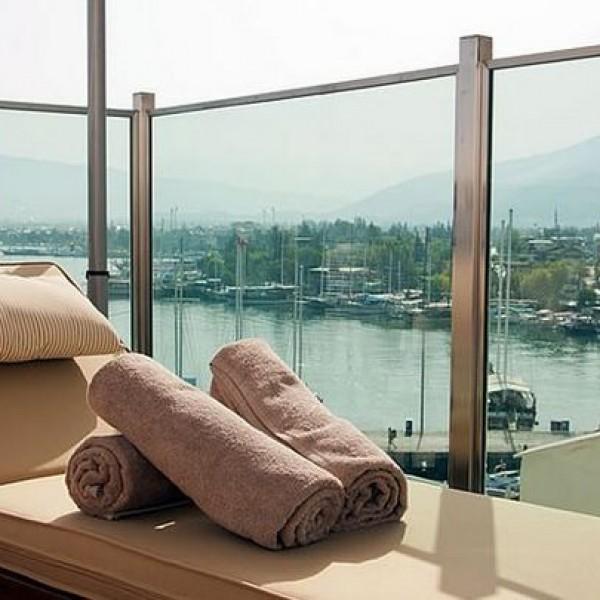 Alesta Yacht Hotel 1