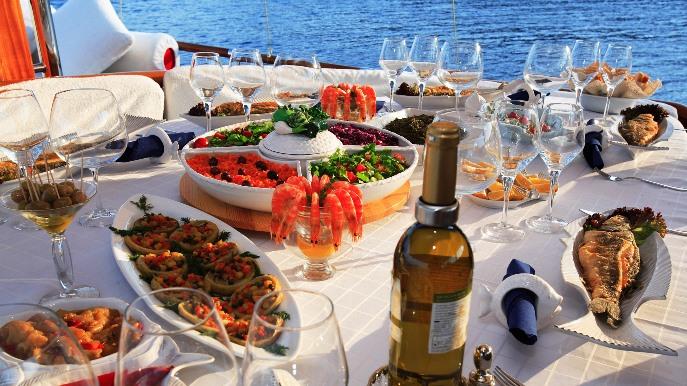 turkey luxury gulet food guletescapes 01