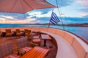 Galileo – upper – deck – outdoor – bar – lounge – area